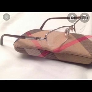 Woman's Burberry eyeglasses